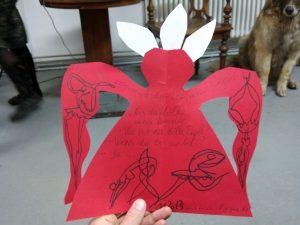 Mitgebsel fürs Lesepublikum: Poesie auf Hasen-Engeln, made by Marina Foto: Julia Fertig